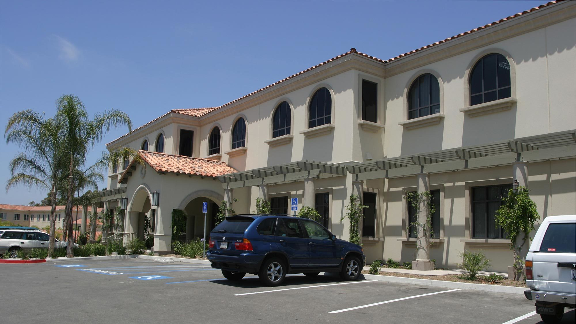 Carlsbad Medical Office Plaza Exterior