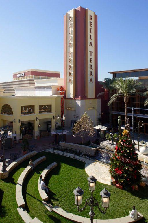 Century Theaters – Bella Terra, Outdoor Feature